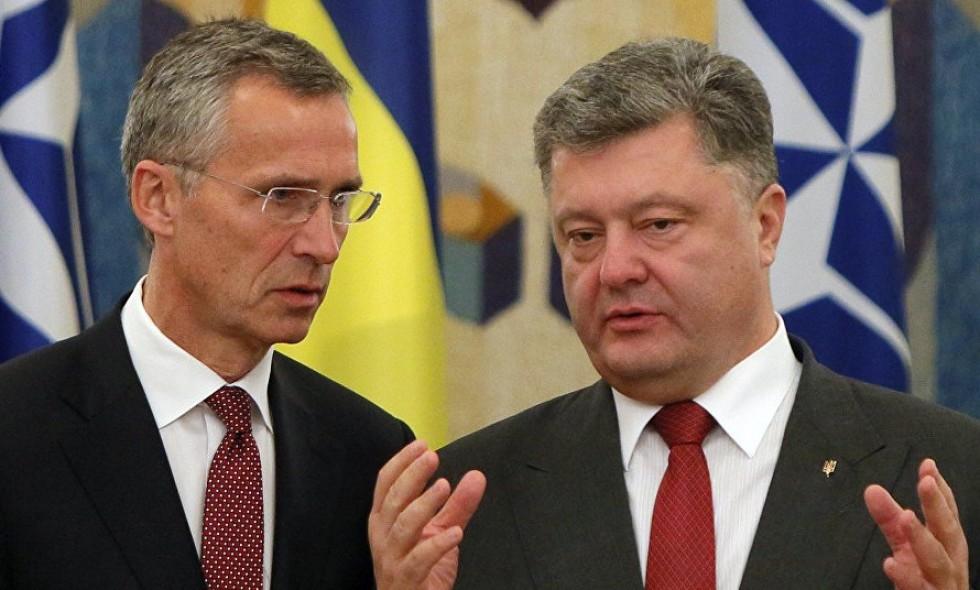 Порошенко договорился с НАТО о наблюдении за ситуацией в Азовском море