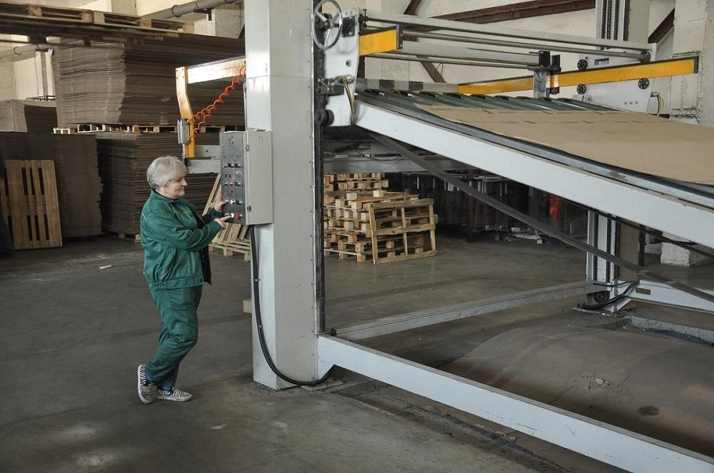 Восемь тысяч тонн бумаги и картона из вторичного сырья. Понинковская фаб...
