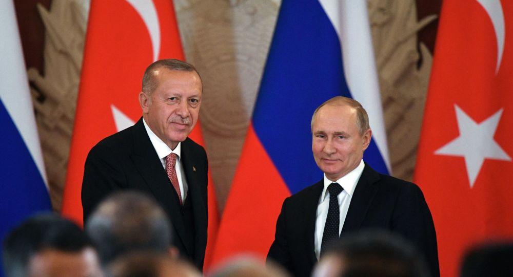 Эрдоган и Путин созвонились по ситуации в Идлибе, РФ соболезнует из-за г...