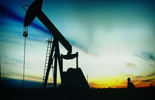 Нефть опустилась ниже 77 долл за баррель
