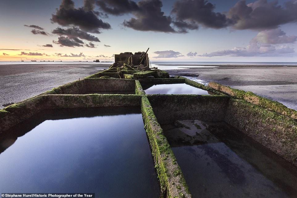 Разбитый самолет, маяк и руины в тумане. Лучшие фотографии исторических...