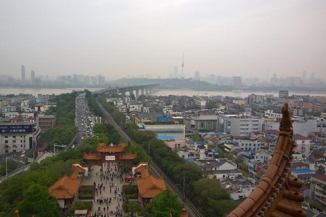 США закрыли консульство в Ухане, не дожидаясь решения Китая