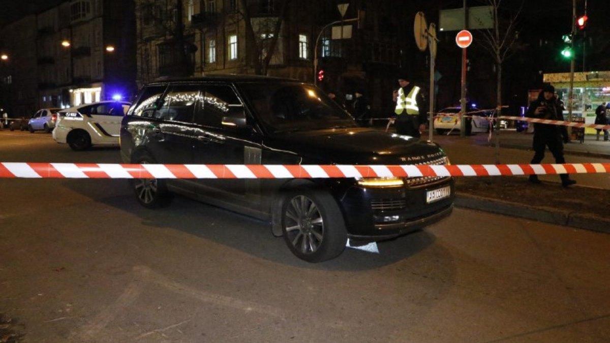 В Соболева стреляли из дома напротив, подозреваемым по 18 и 19 лет, – по...