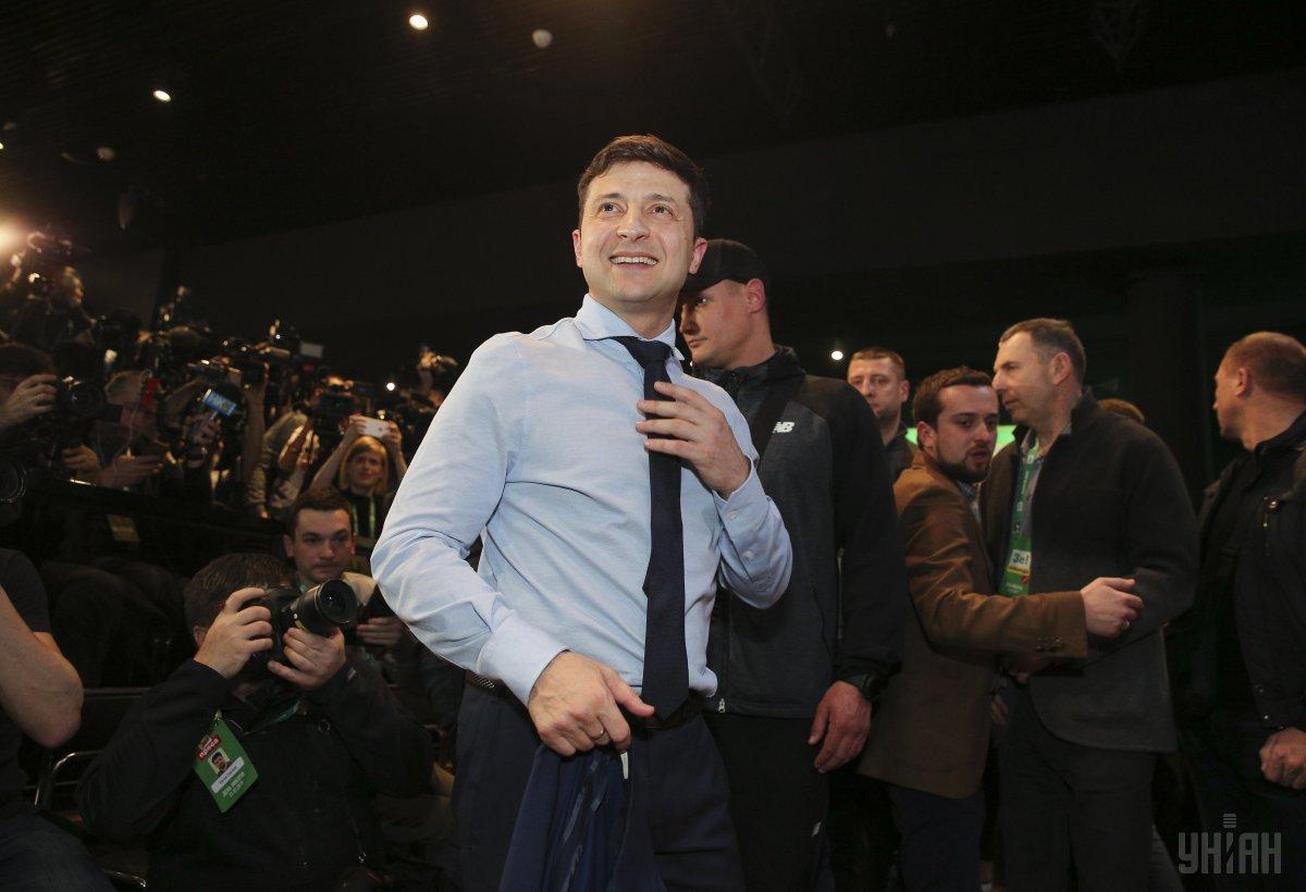 У Зеленского дали четыре ответа на пять вопросов Джемилева о Крыме