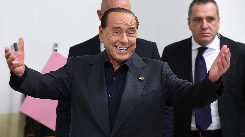 Заболевшего коронавирусом 83-летнего Берлускони госпитализировали