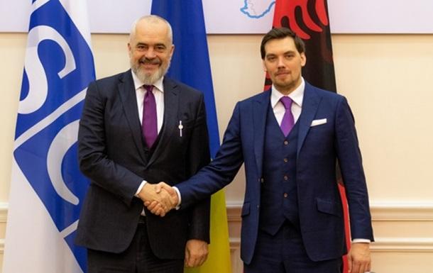Украина откроет посольство в Албании, – Гончарук