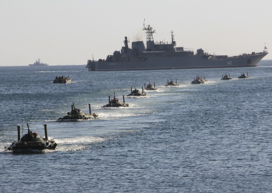 В Крыму находятся 21 надводный корабль и 3 подводных лодки ЧФ РФ,  – ГУР...