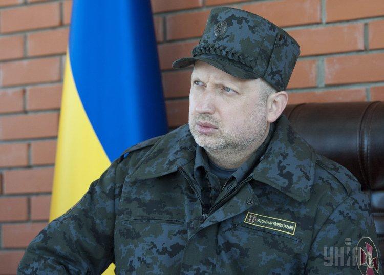 Турчинов рассказал об ускоренной милитаризации Крыма россиянами