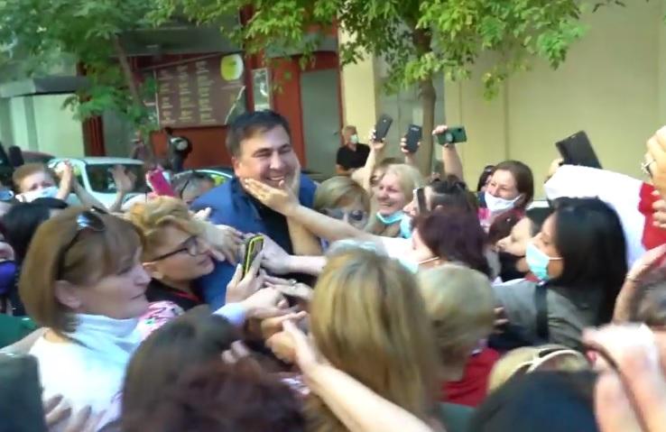 На Саакашвили напали и избили в греческих Афинах, – СМИ