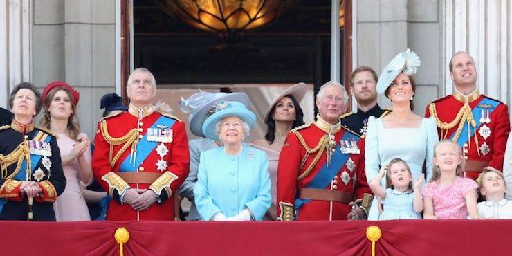 В Букингемском дворце отрицают причастность принца Эндрю к ...