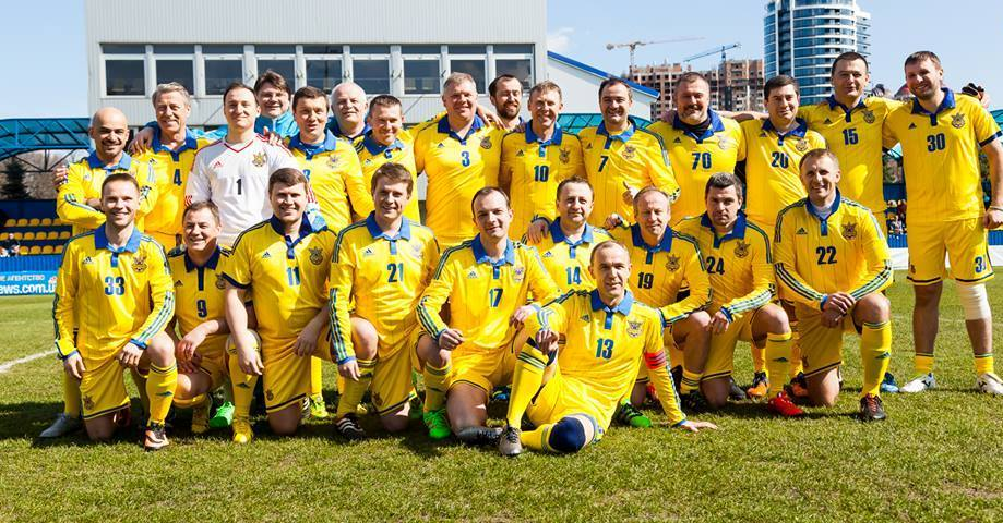 Депутаты захотели поиграть в футбол: парламентская делегация посетит баз...