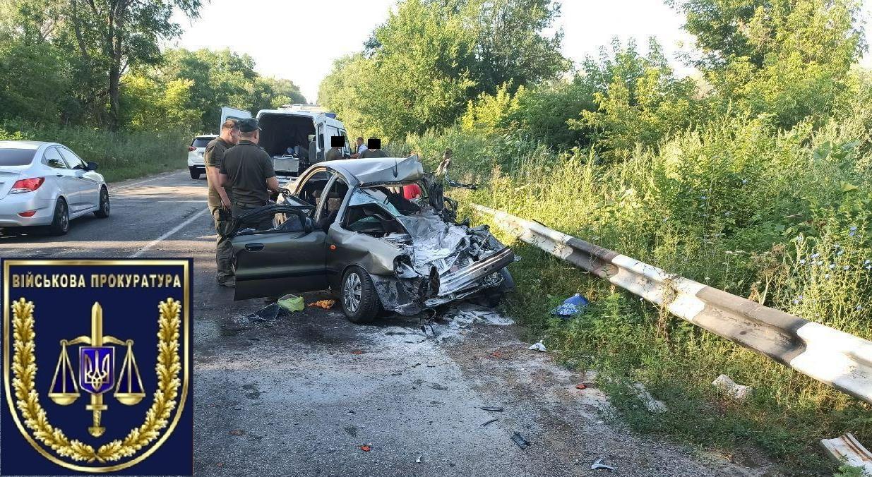 Под Днепром военный грузовик врезался в легковушку, погиб ребенок