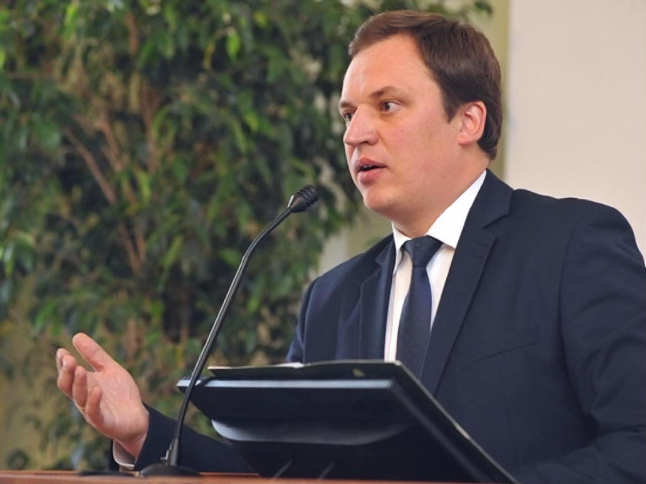 Глава лесхоза Житомирской области написал заявление об увольнении по тре...