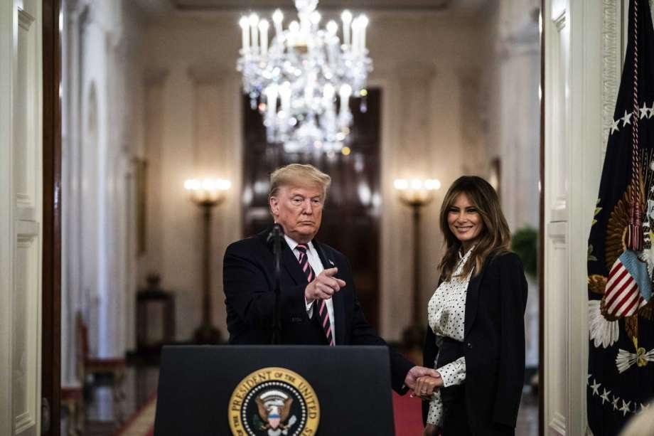 Перед переездом в Белый дом Мелания Трамп пересмотрела брачный контракт,...