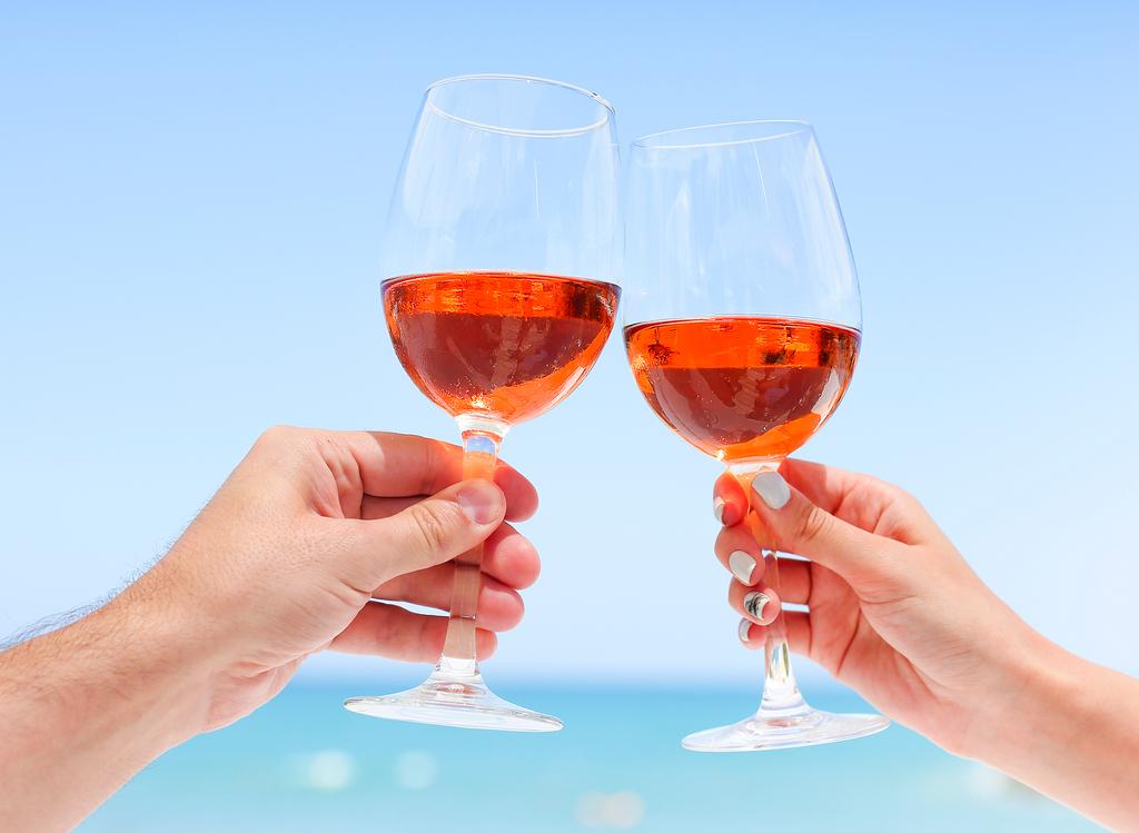 Цвет лета. Как розовое вино перестало быть напитком плебеев и завоевало...