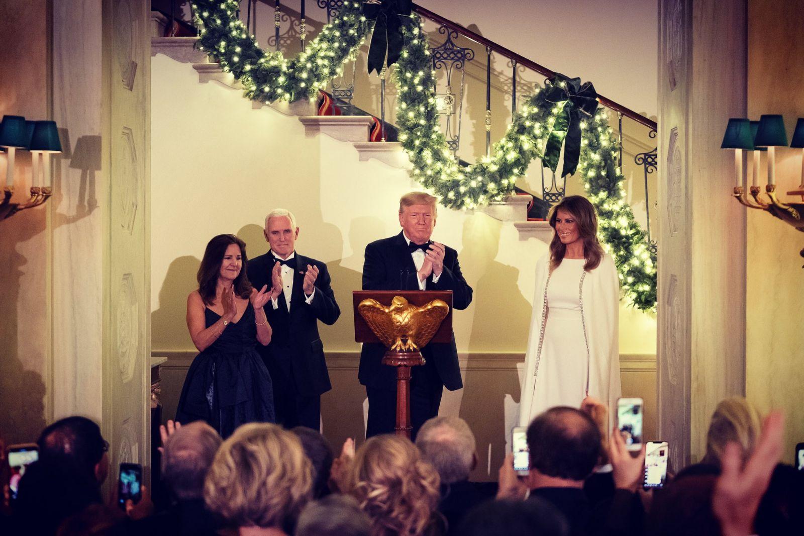 Рождественский бал, который устроил Трамп: в чем первая леди США встреча...