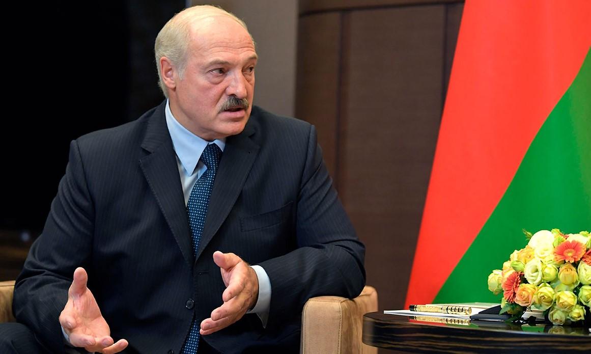 """""""Мы победили"""". Лукашенко заявил, что Беларусь выстояла в борьбе с корона..."""