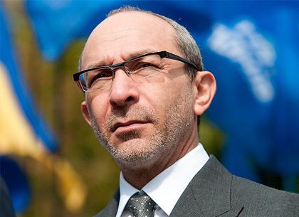 Кернес пообещал восстановить поваленный памятник Жукову