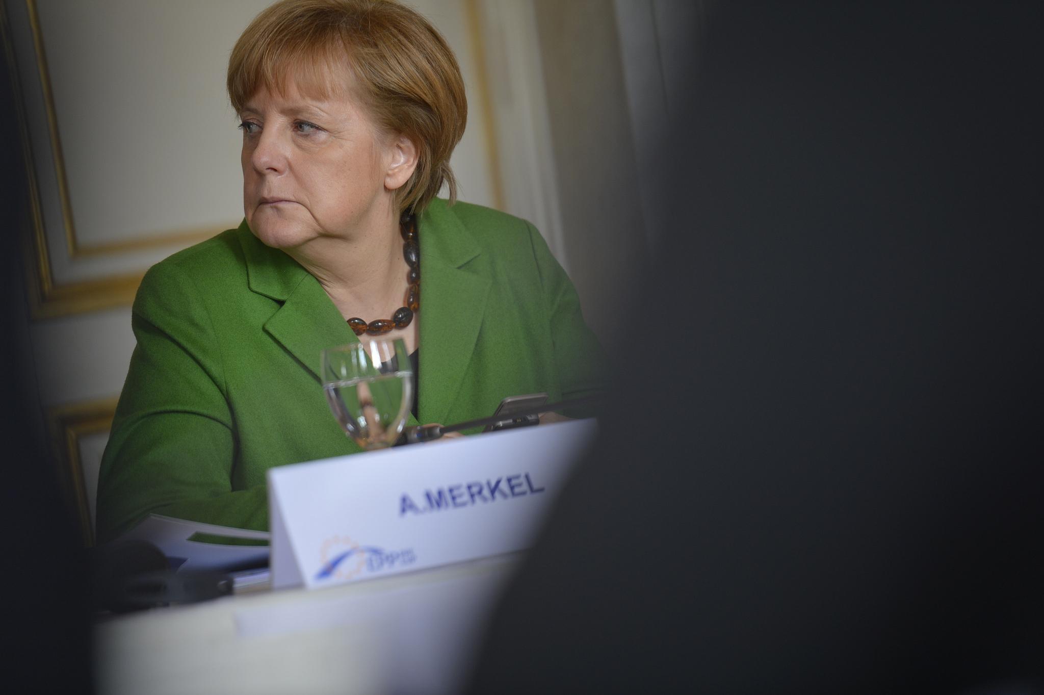 Меркель озвучила четкое требование к Великобритании по отсрочке Brexit