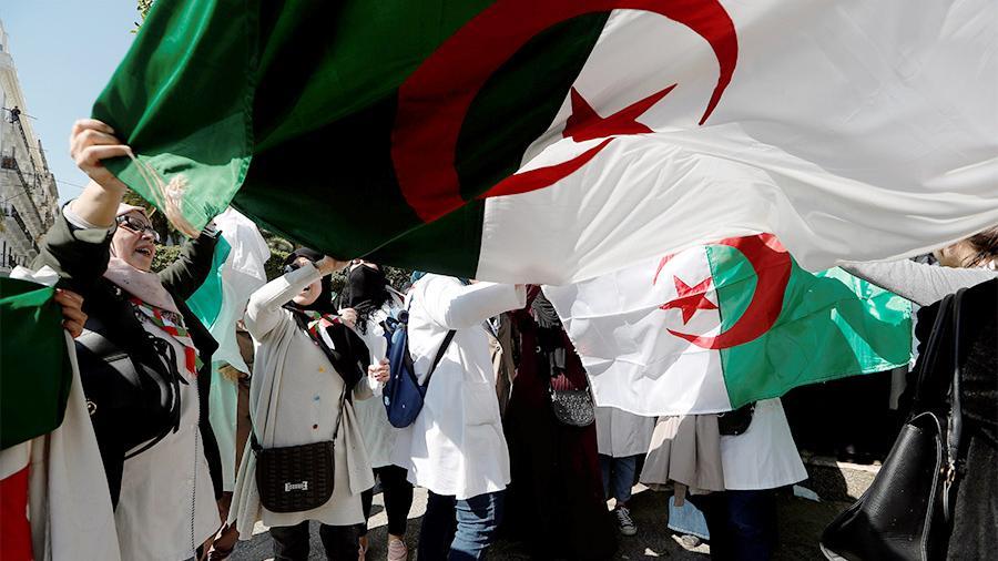 В Алжире отменили президентские выборы из-за отсутствия кандидатов на по...