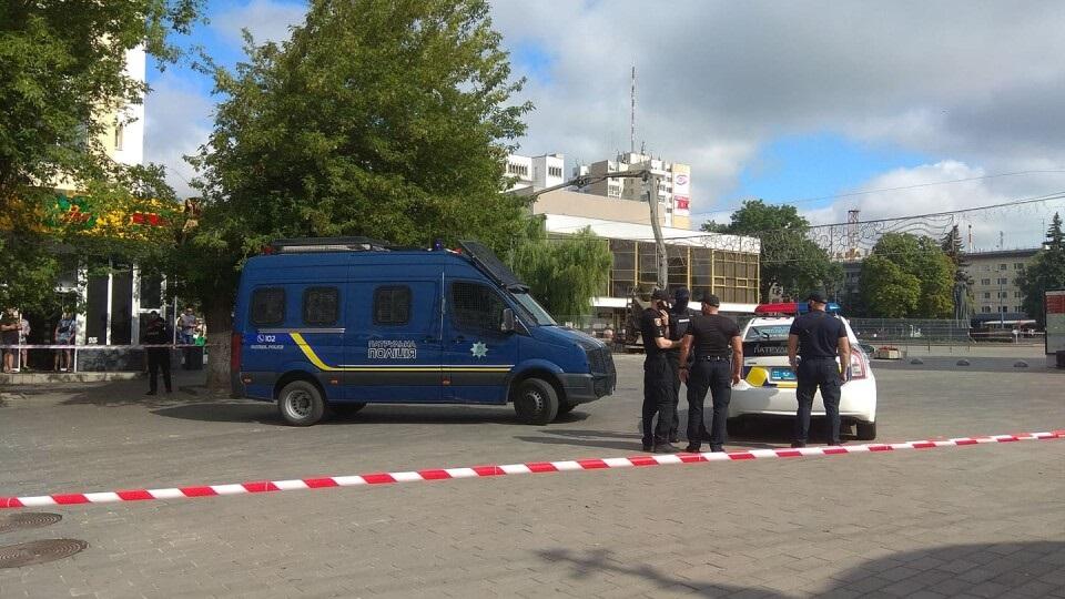 Луцкие заложники: связь с водителем автобуса пропала еще в девять утра