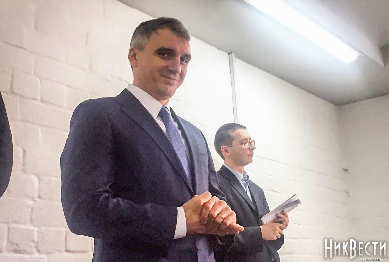 Александр Сенкевич через суд вернулся в кресло мэра Николаева