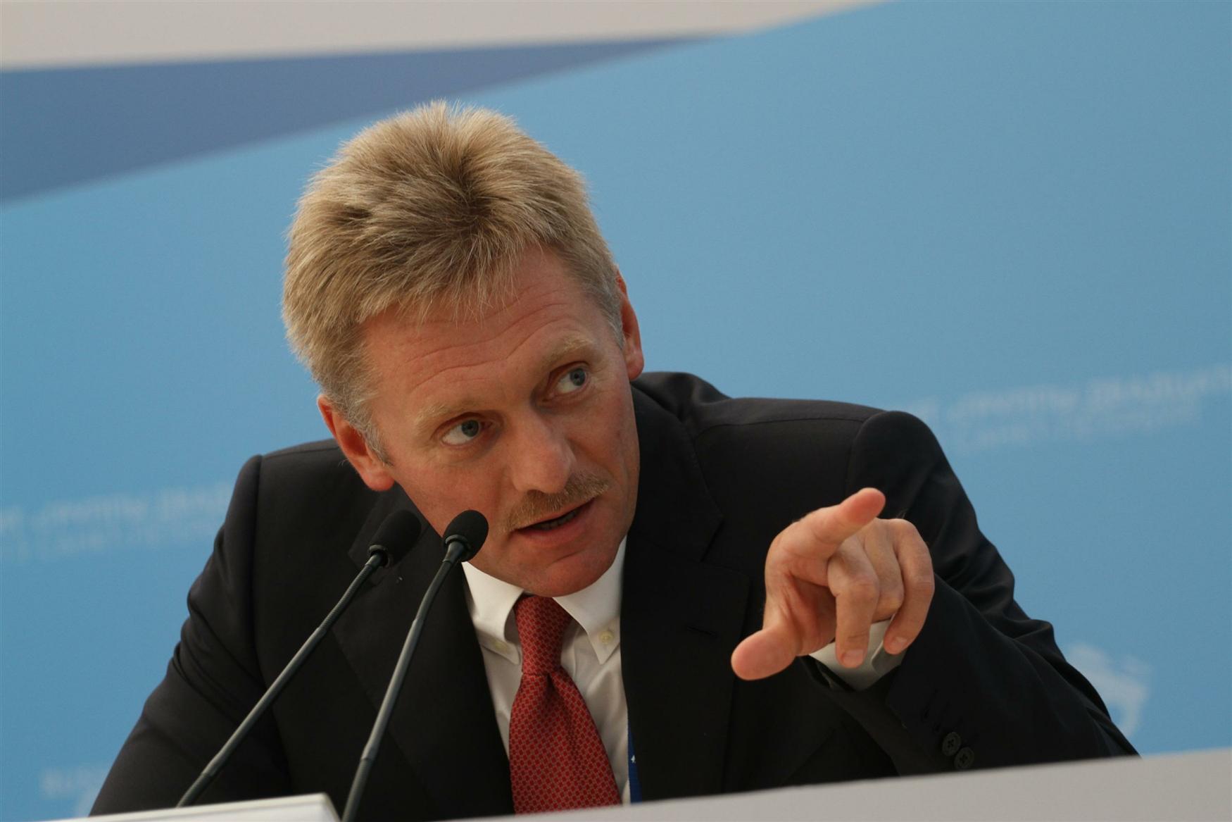 Песков заявил, что Россия не обещала освободить Савченко