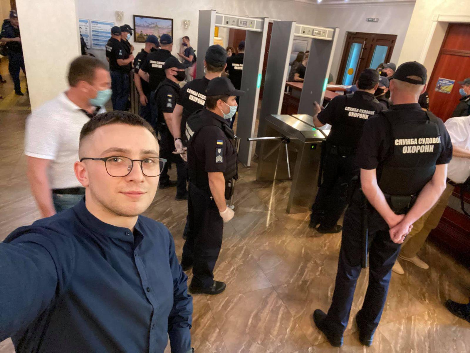Суд перенес избрание меры пресечения Стерненко на 15 июня