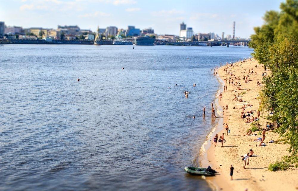 На пляжах Киева снова нельзя купаться
