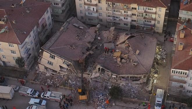 В Турции произошло мощное землетрясение: погиб 21 человек, пострадали бо...