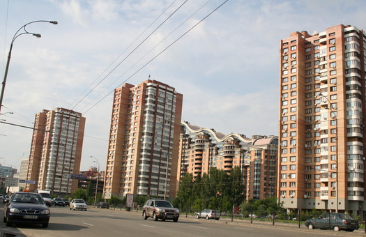 Власти решили потратить миллиарды на обновление тысяч лифтов в Украине