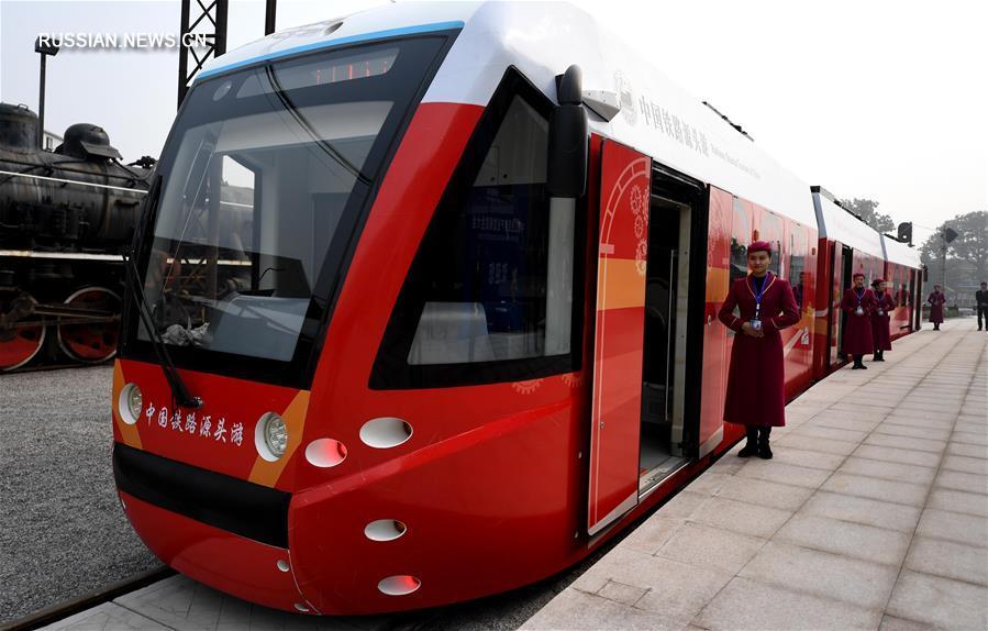 Первый в мире трамвай на водороде запустили в Китае
