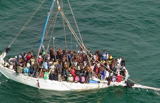 В Карибском море перевернулось судно, на борту которого было 200 человек