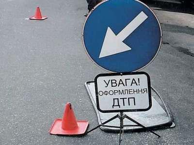 В Черниговской области автобус с детьми столкнулся с бензовозом