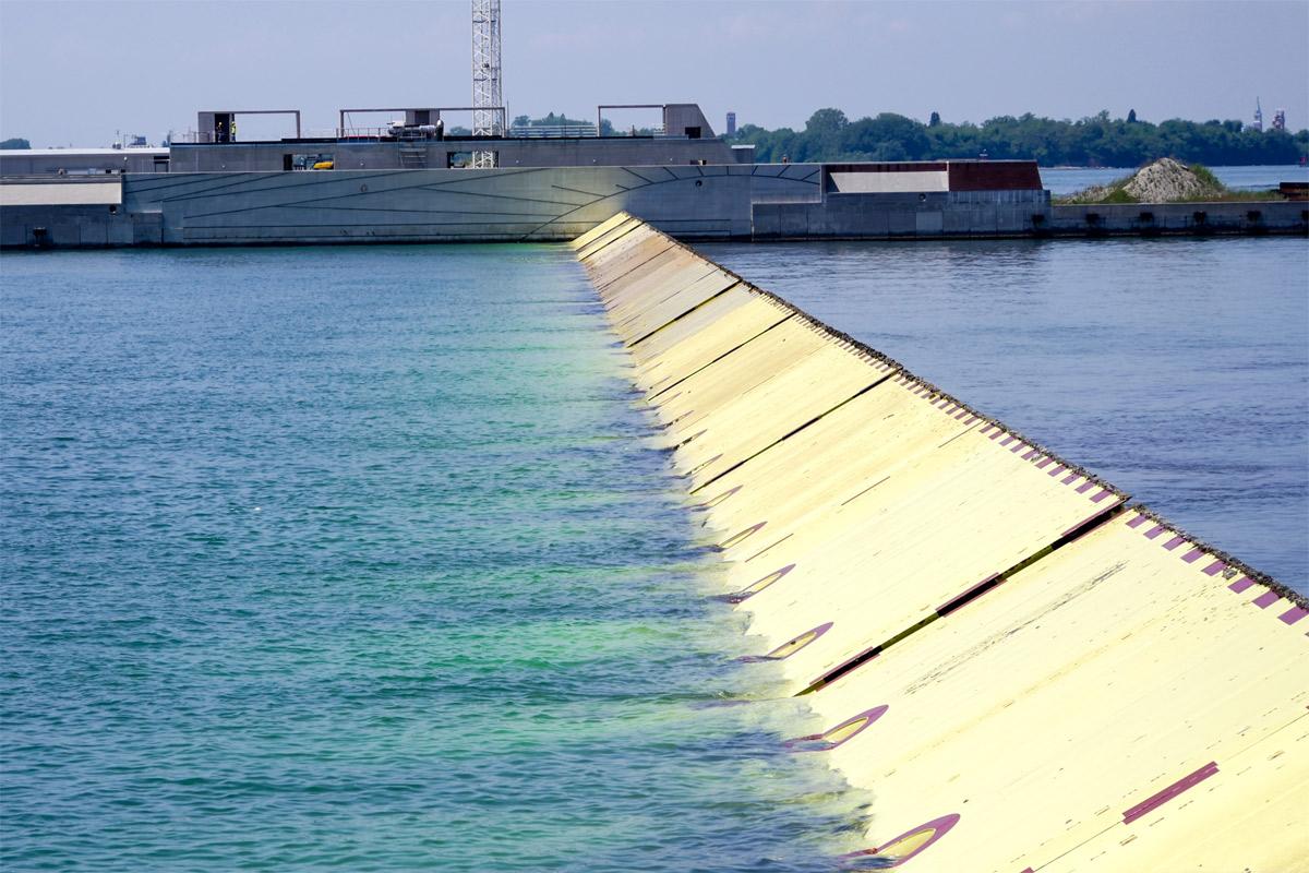 Фото, наводнение в Венеции, проект MOSE, шлюзы, Венеция