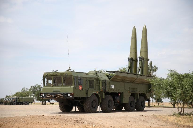 В оккупированном Крыму на полигон перегоняют ракетные комплексы