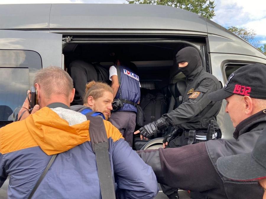 Количество задержанных на протестах в Минске журналистов увеличилось до...