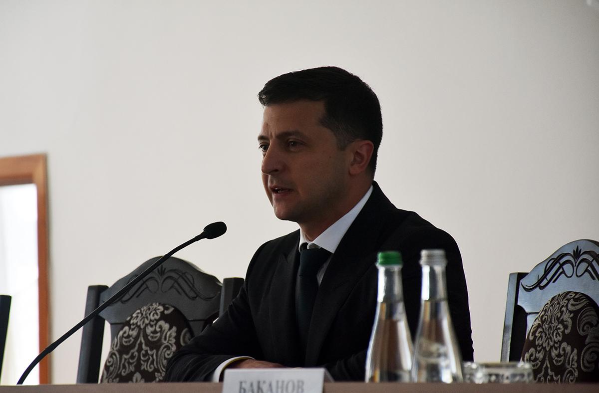 Зеленский на совещании в Олевске попросил не ставить ему условия