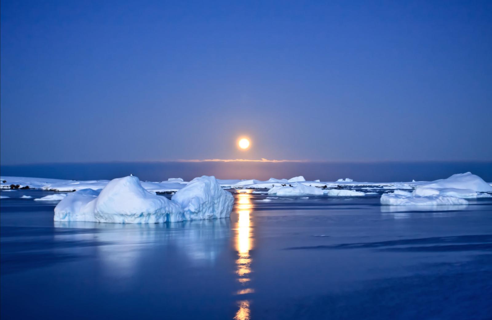 """""""Жара"""" в Антарктиде. Южный полюс прогревается в три раза быстрее, чем ве..."""