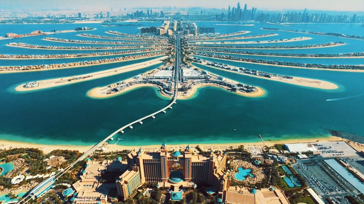 Аэропорт Дубая принял на работу 8-месячного ребенка
