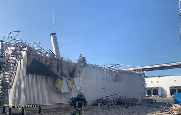 На предприятии в Киеве прогремел взрыв, пострадало два человека (дополне...