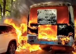 В России сгорел катафалк, покойник не пострадал