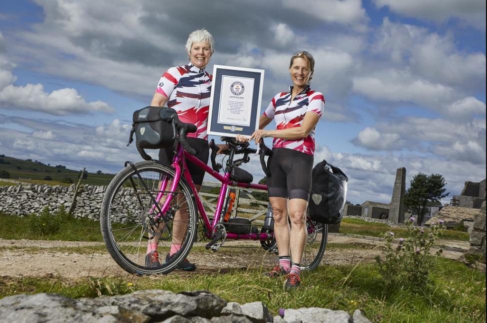 Побили мужской рекорд: две британки объехали Землю на велосипеде за 263...
