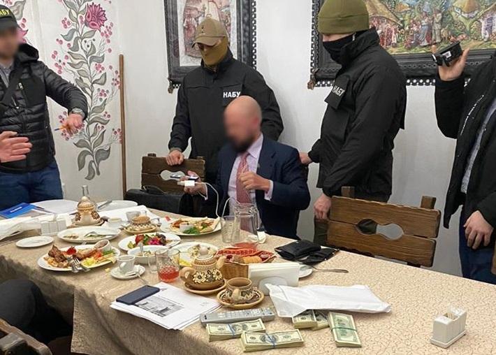 Главе ФГУ предложили 5 млн долларов за назначение на директора Одесского...