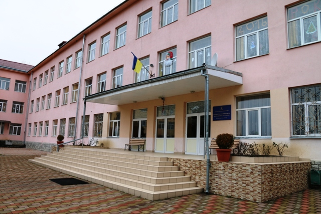 На Закарпатье в школе-интернате обнаружили вспышку коронавируса