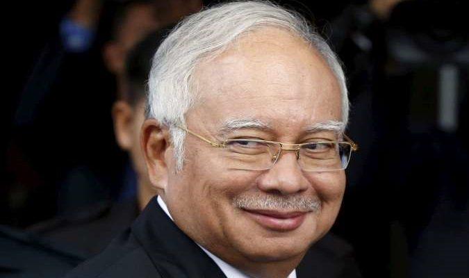 Экс-премьер-министр Малайзии получил 12 лет тюрьмы за коррупцию