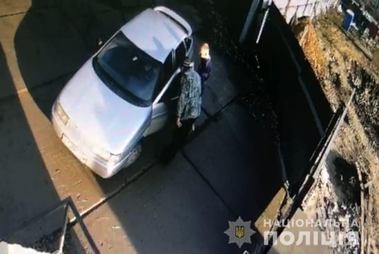 Под Киевом конфликт из-за грязного грузовика закончился стрельбой