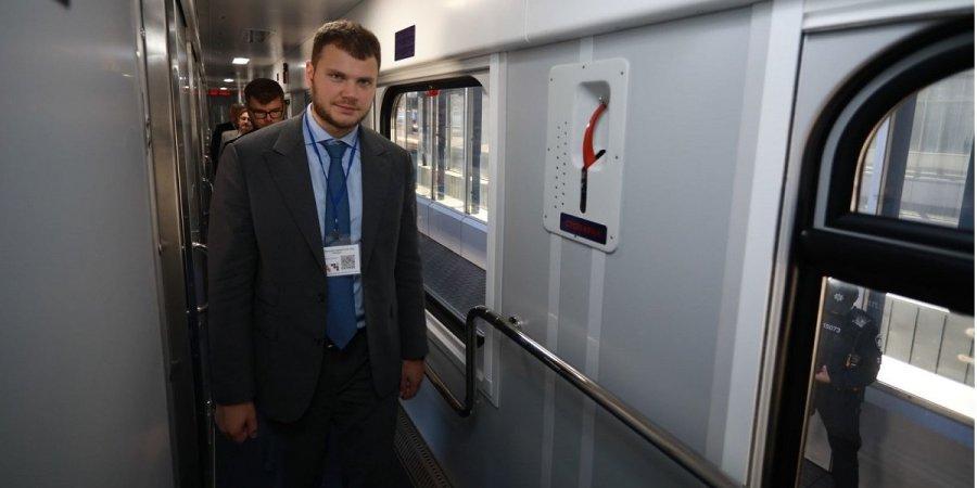 """""""Укрзализныця"""" убрала остановку поездов в Луцке и Тернополе из-за эпидем..."""