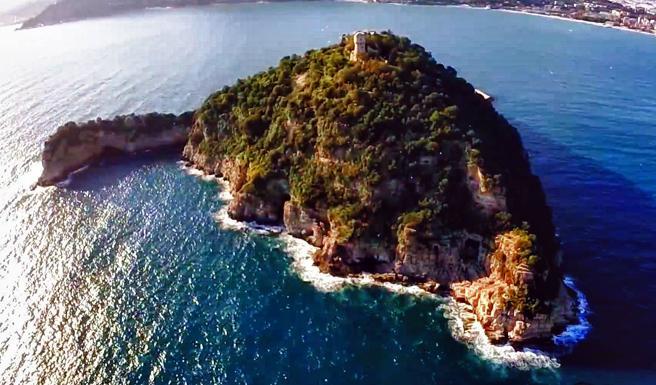 """Александр Богуслаев, сын экс-владельца """"Мотор Сичи"""" купил остров в Итали..."""