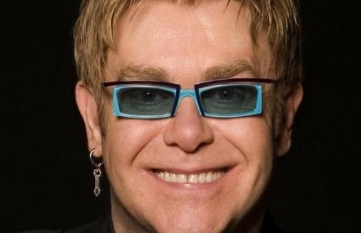 Элтон Джон отменил концерты из-за болезни